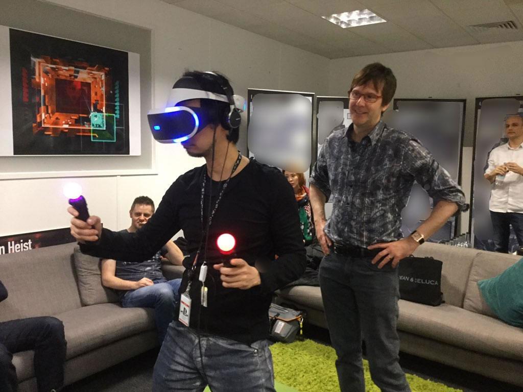 Hideo Kojima essaie la VR