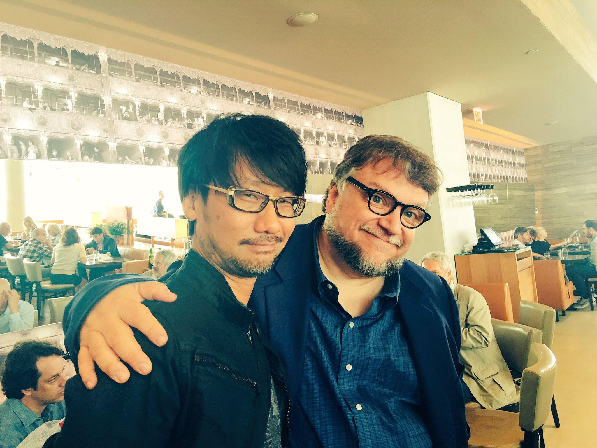 « Entrée furtive pour saluer Guillermo del Toro. » – Ayako Terashima, le 10 septembre 2016
