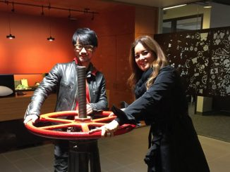 Hideo Kojima et Kimberly Cooper chez Valve, le 18 octobre 2016