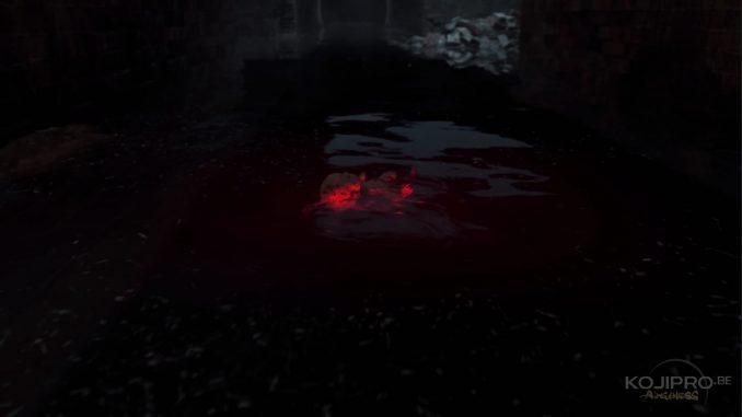 Une lueur rouge entoure la poupée dans l'obscurité.