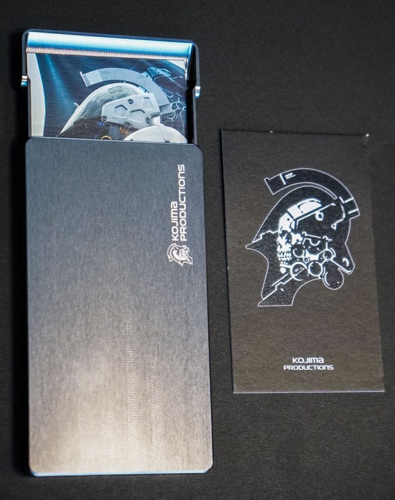 Porte-cartes Kojima Productions par Gild Design