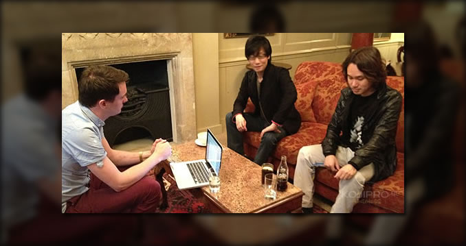 Hideo Kojima , Yoji Shinkawa et le journaliste Simon Parkin du Guardian