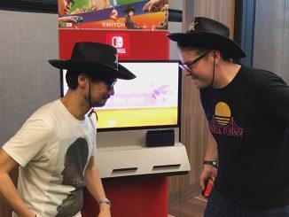 Hideo Kojima et Greg Miller jouant à 1-2 Switch, le 3 février 2017