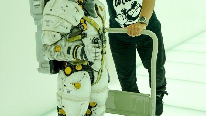 Yoji shinkawa et le départ de la statuette de Ludens pour les États-Unis, le 29 mai 2017