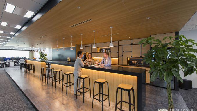 Espace cuisine de Kojima Productions (avec Shinji Hirano, Ayako Terashima et Ludvig Forssell)