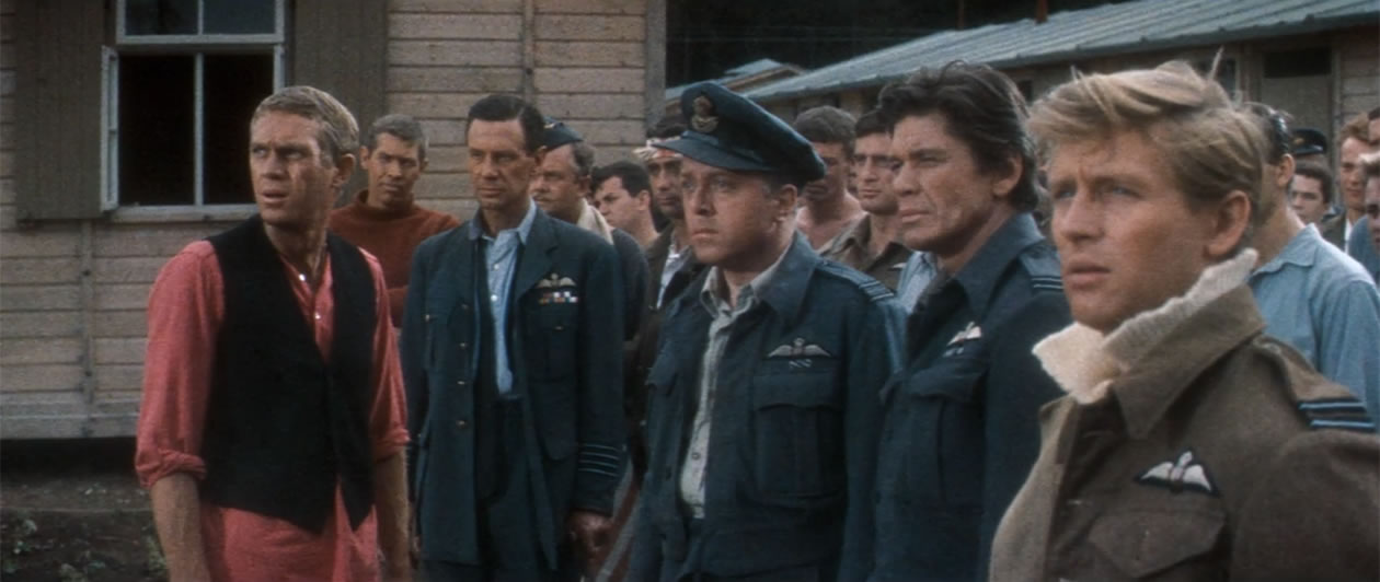 Steve McQueen, James Donald, Richard Attenborough, Charles Bronson, et John Leyton dans The Great Escape (La Grande Évasion) de John Sturges (1963)