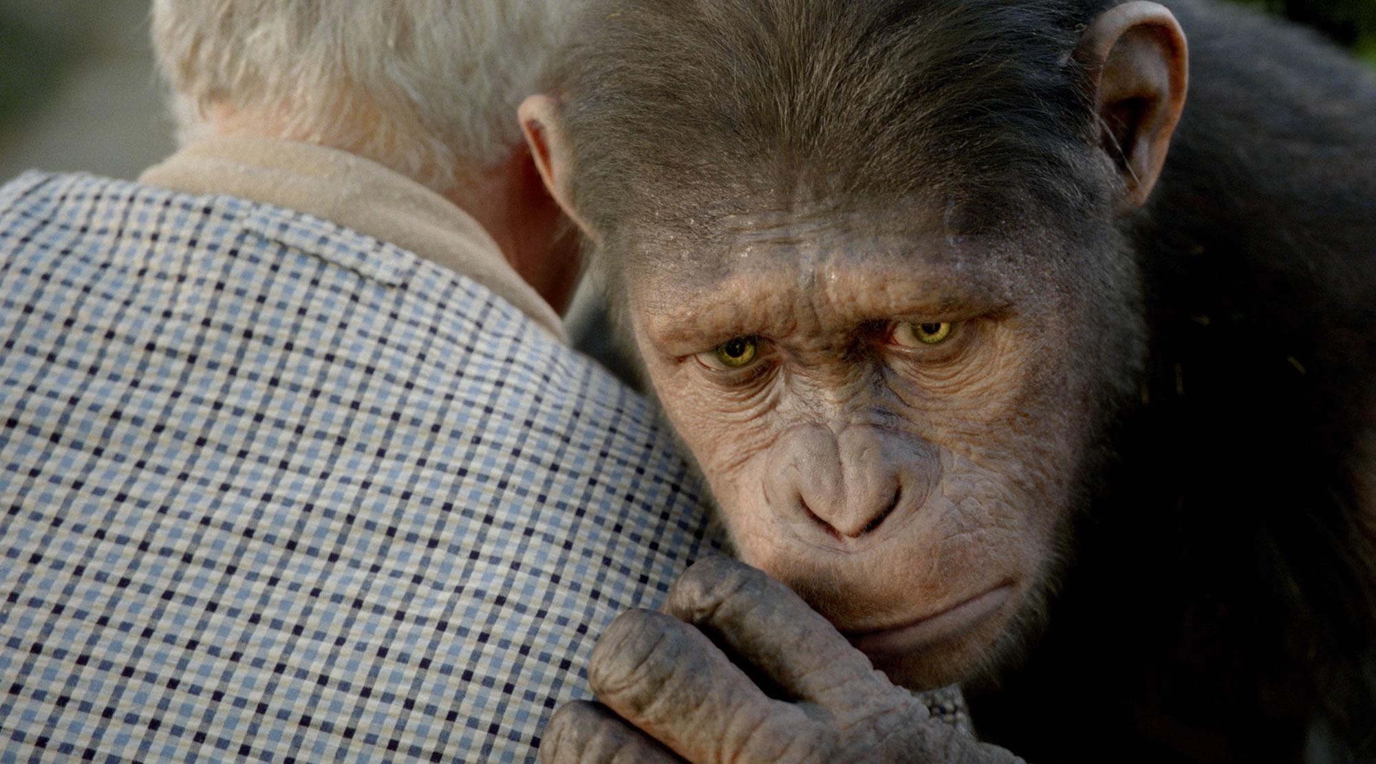 John Lithgow et Caesar (Andy Serkis) dans La Planète des Singes : Les Origines de Rupert Wyatt (2011)