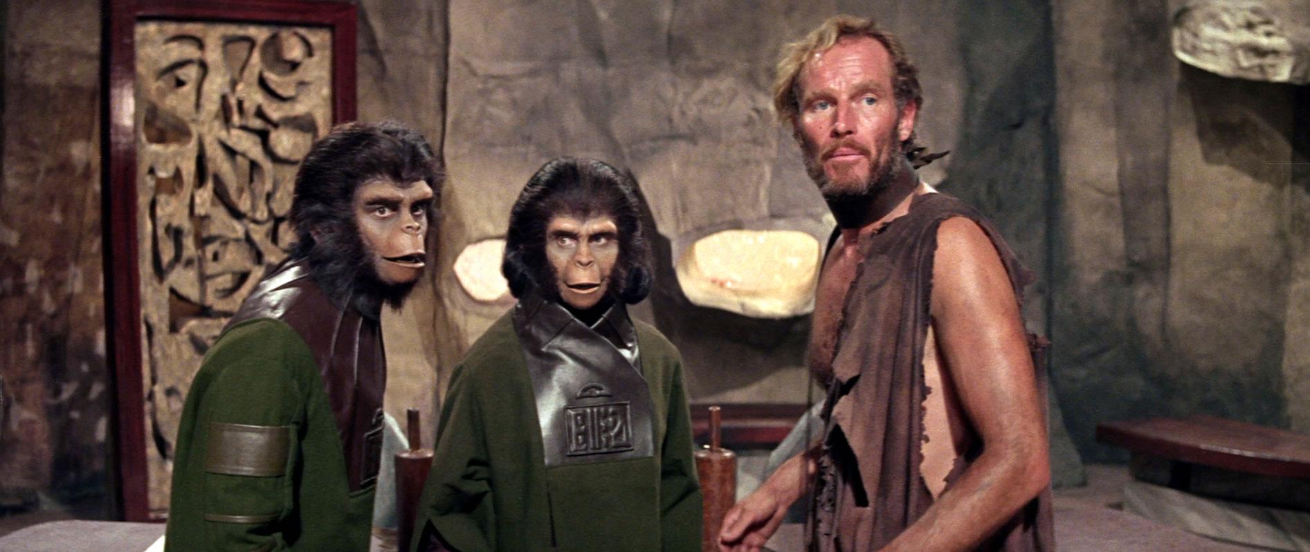 Roddy McDowall, Kim Hunter et Charlton Heston dans La Planète des Singes de Franklin J. Schaffner (1968)