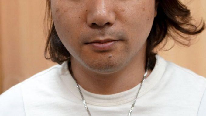 « Nous envisageons de mettre sur le marché le collier que porte Norman Reedus dans Death Stranding. Nous l'avons d'abord fabriqué en titane mais le résultat s'est avéré un peu cher. C'est pourquoi nous nous sommes retournés vers de l'ultra duralium (A7075). Le résultat est bon, solide et abordable. Nous sommes sur le bon chemin. » Hideo Kojima, le 22 novembre 2017