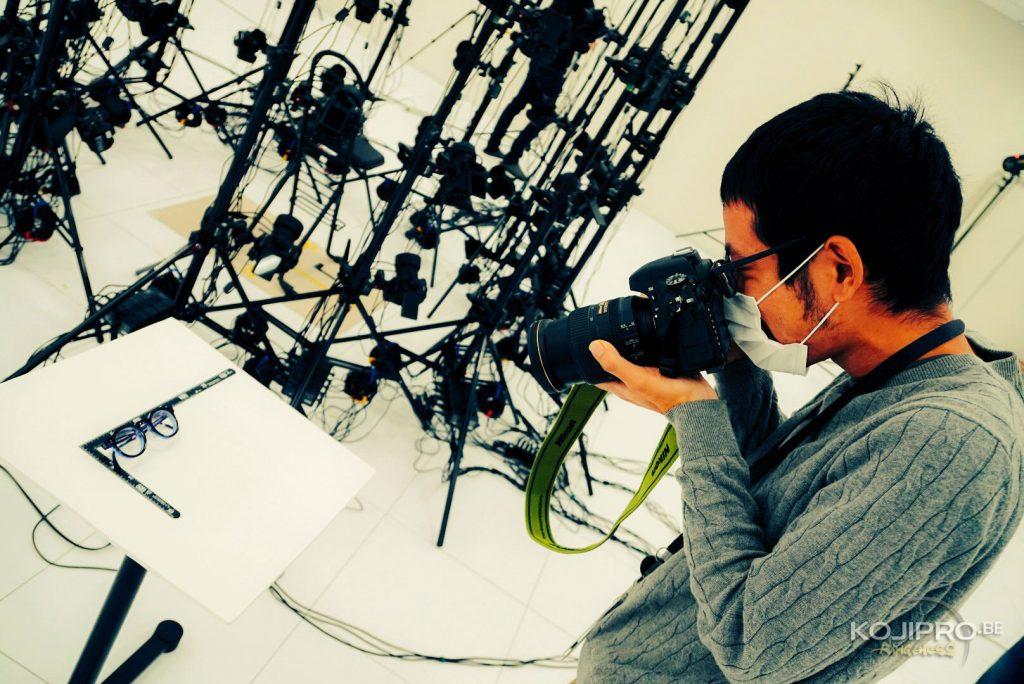 Séance de scanning 3D pour les lunettes de Hideo Kojima, le 6 novembre 2017.