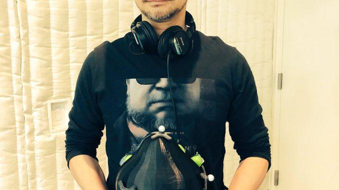 Hideo Kojima et la capsule du bébé sur le tournage de Death Stranding, le 21 février 2018