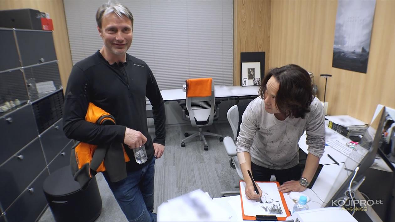 Mads Mikkelsen et Yoji Shinkawa, le 25 janvier 2017, dans le bureau de ce dernier