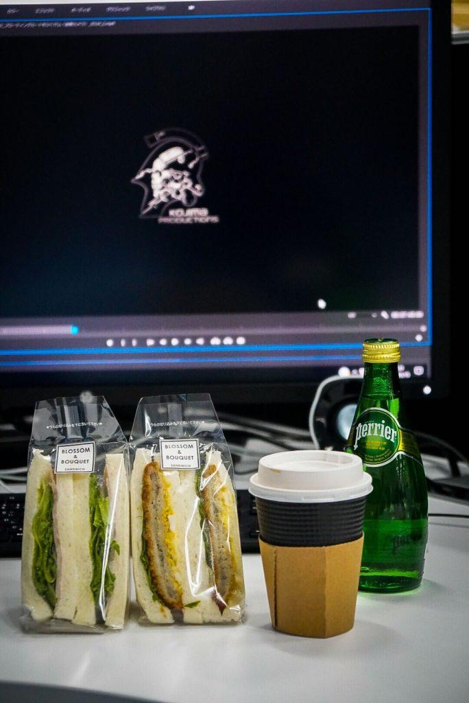 Hideo Kojima travaillant sur le montage du nouveau trailer de Death Stranding, le 15 mai 2018