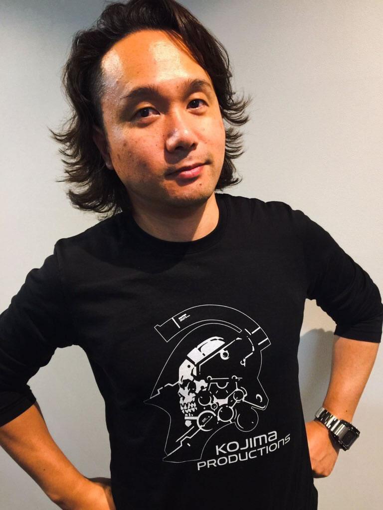 Yoji Shinkawa en t-shirt Kojima Productions