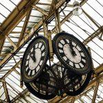 « Voyage en train. » - Hideo Kojima