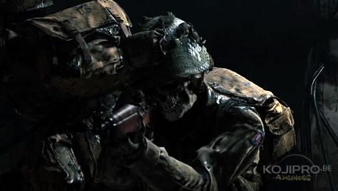 Ces soldats portent un équipement de la deuxième Guerre mondiale