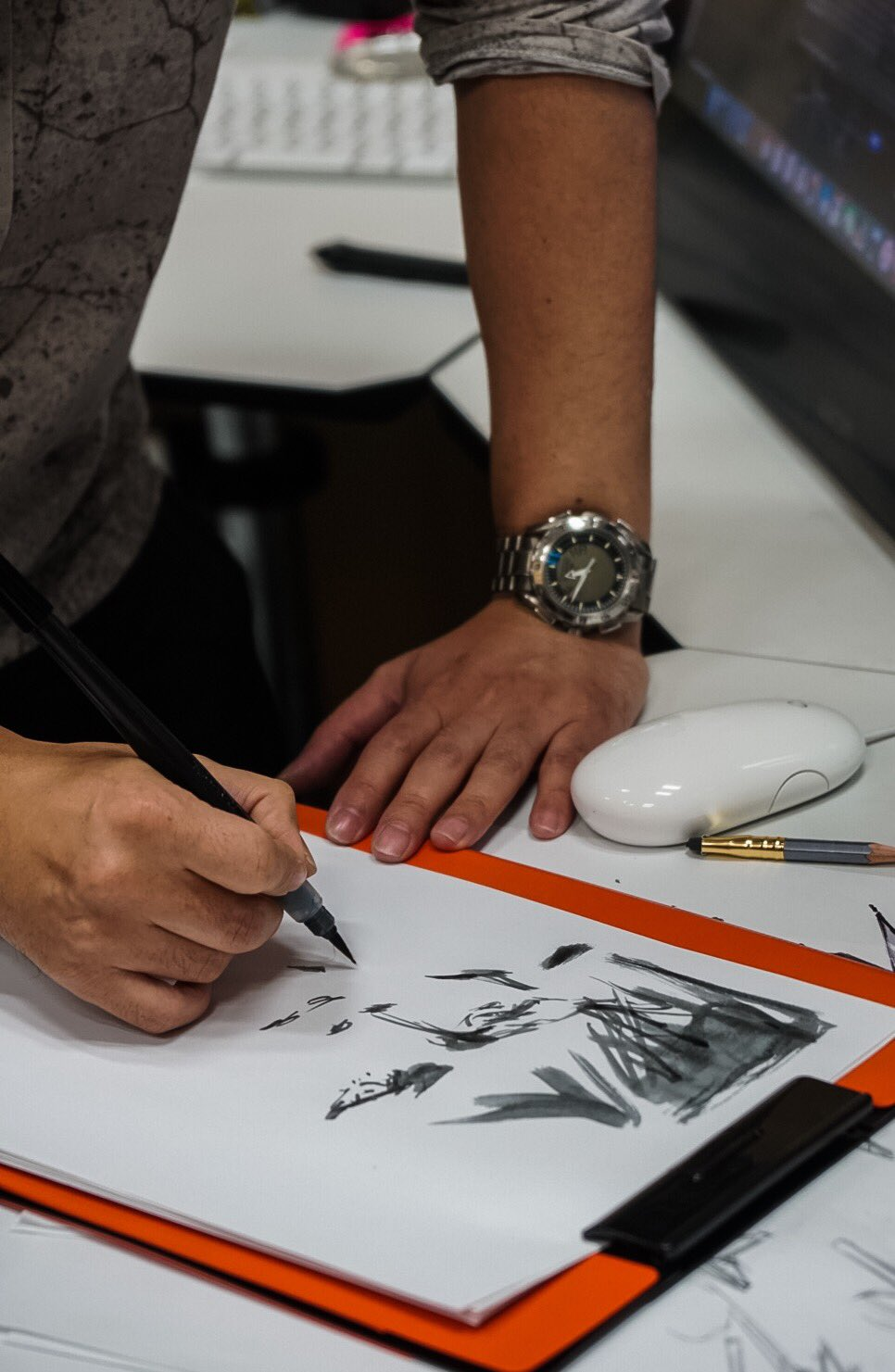 Yoji Shinkawa dessinant Mads Mikkelsen, le 25 janvier 2017