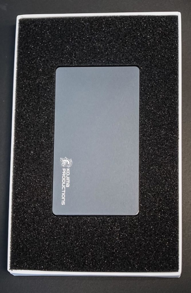 Porte-cartes Kojima Productions par Gild Design