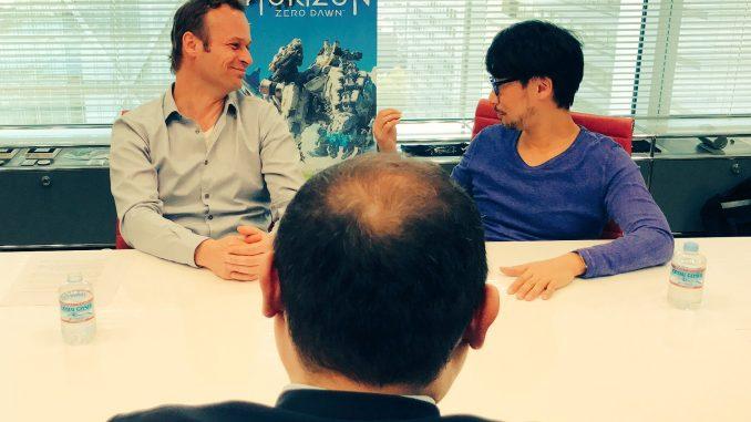 Hermen Hulst et Hideo Kojima discutent avec Hirokazu Hamamura (Famitsu), le 30 mars 2017