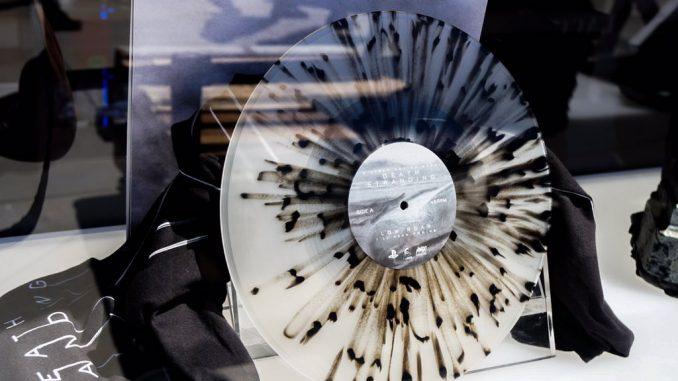 Des disques vinyle Death Stranding de Low Roar en vente à l'E3 2017, le 12 juin 2017