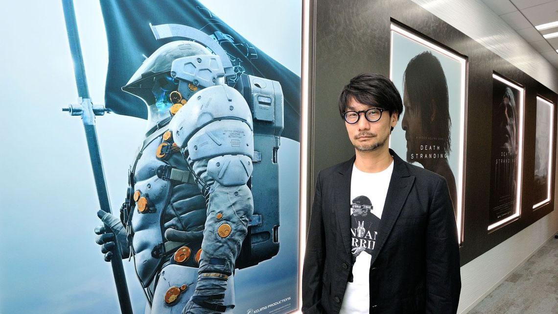 Hideo Kojima, dans le couloir de Kojima Productions, le 17 août 2017