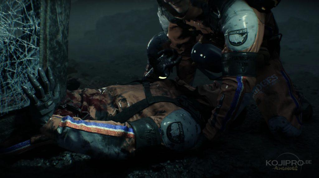 Au début, le bracelet du blessé émet une lueur jaune.