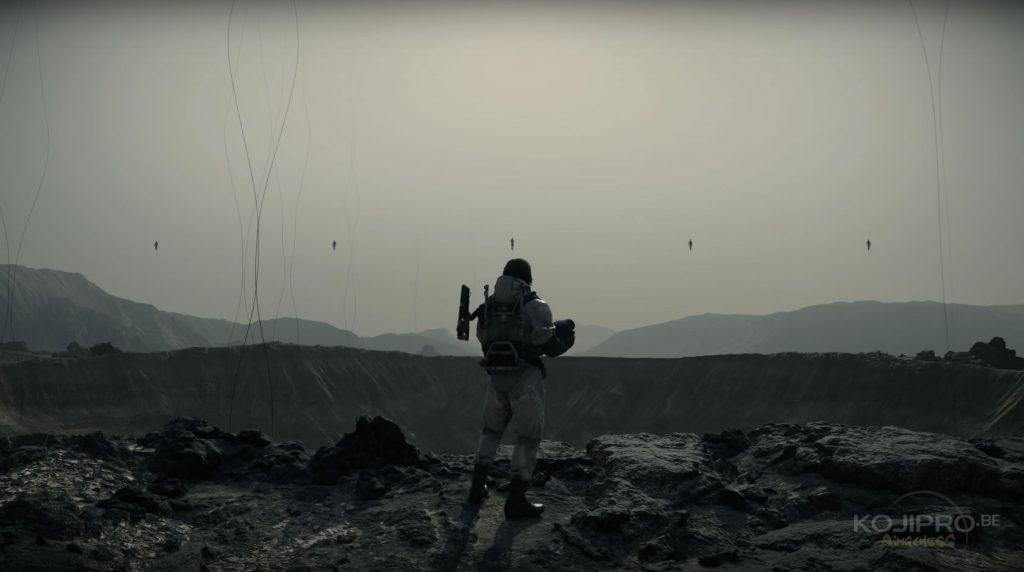 Sam évolue dans un paysage désertique et volcanique.