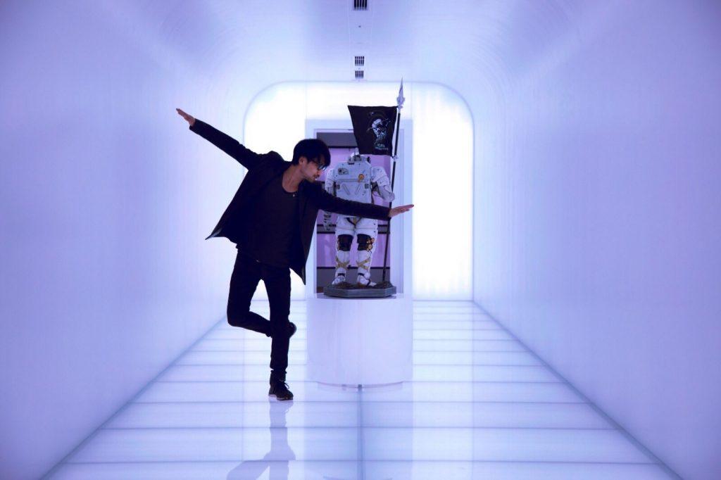 Hideo Kojima et Ludens   Photo Liam Wong (2017)