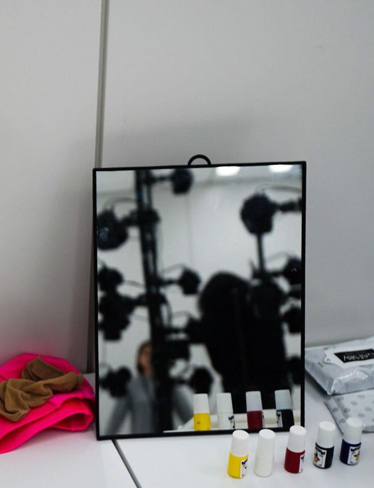 Photo de la silhouette féminine lors d'une séance de scanning 3D chez Kojima Productions, le 23 février 2017